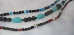 Lavaketten - etwas verspielterte, farbenfrohe Auswirkung durch die Verwendung von Türkisen, Achaten oder reinen Silberperlen